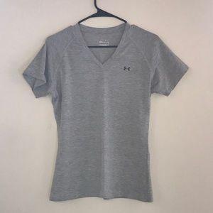 Women's Under Armour T-shirt, Size Medium